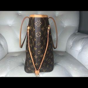 Louis Vuitton Bags - ♥️SOLD♥️Louis Vuitton Neverfull MM Monogram Piv